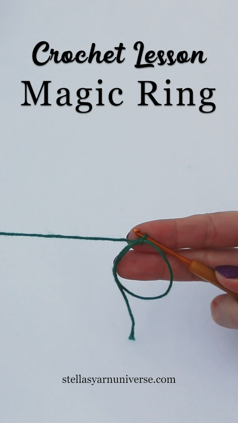 How to make a magic ring in crochet A magic ring is a great way to start a closed crochet project that requires working in a round, like for example cuddly toys. #crochetstitchespatterns