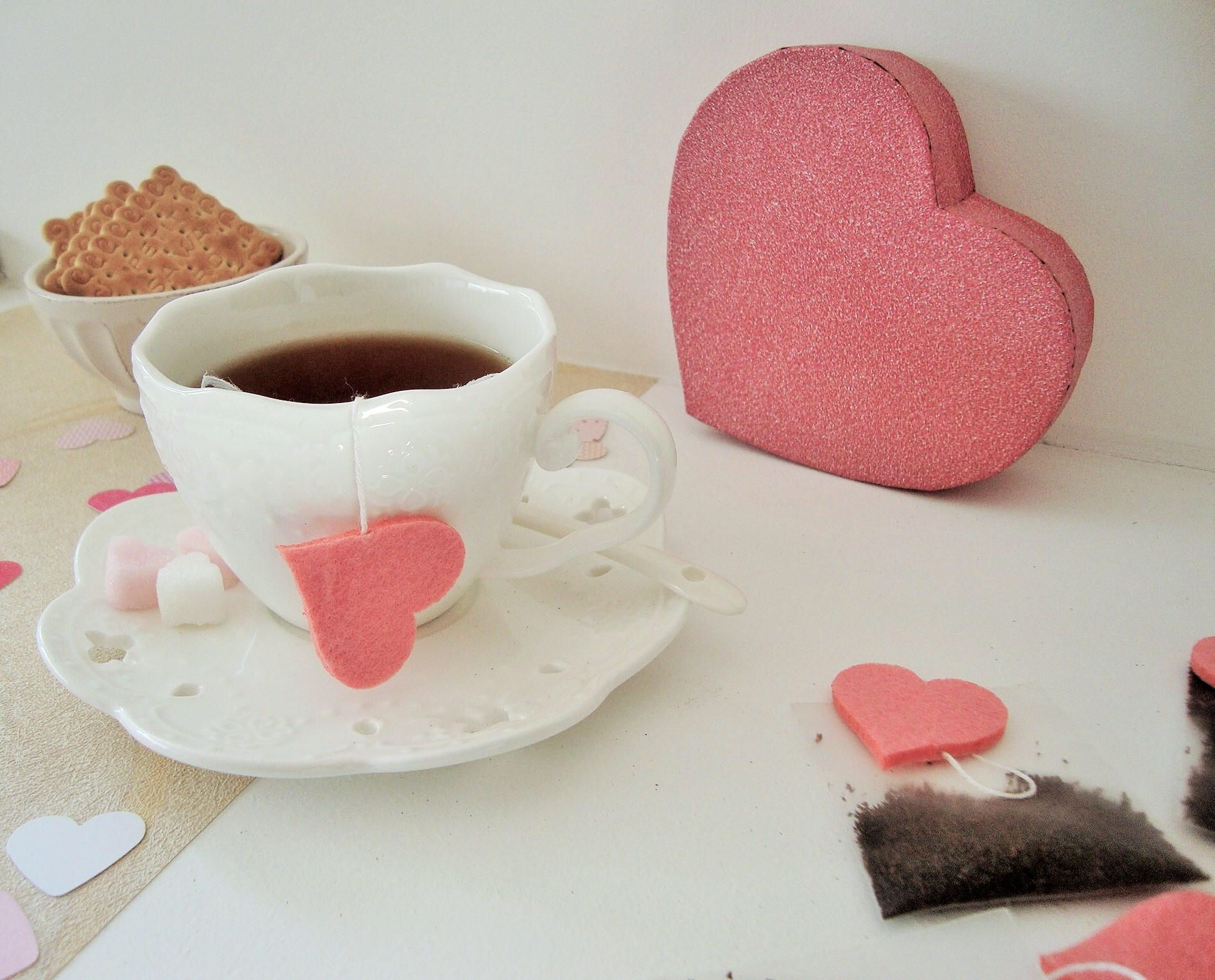 Valentine giftbox. heart sugar cubes. organdy tea bags with heart ...