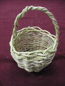 Make A Honeysuckle Basket With Images Basket Weaving Basket