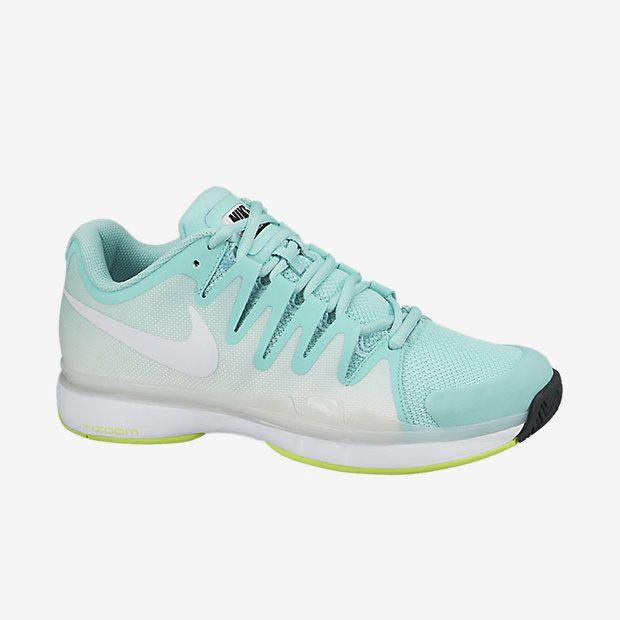 Aparecer corto Enfadarse  The Nike Zoom Vapor 9.5 Tour Women's Tennis Shoe. | Womens tennis shoes,  Nike tennis shoes, Nike headbands