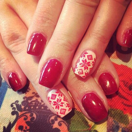 Red christmas nails the glitter on the white was fab, made all the difference. Love these