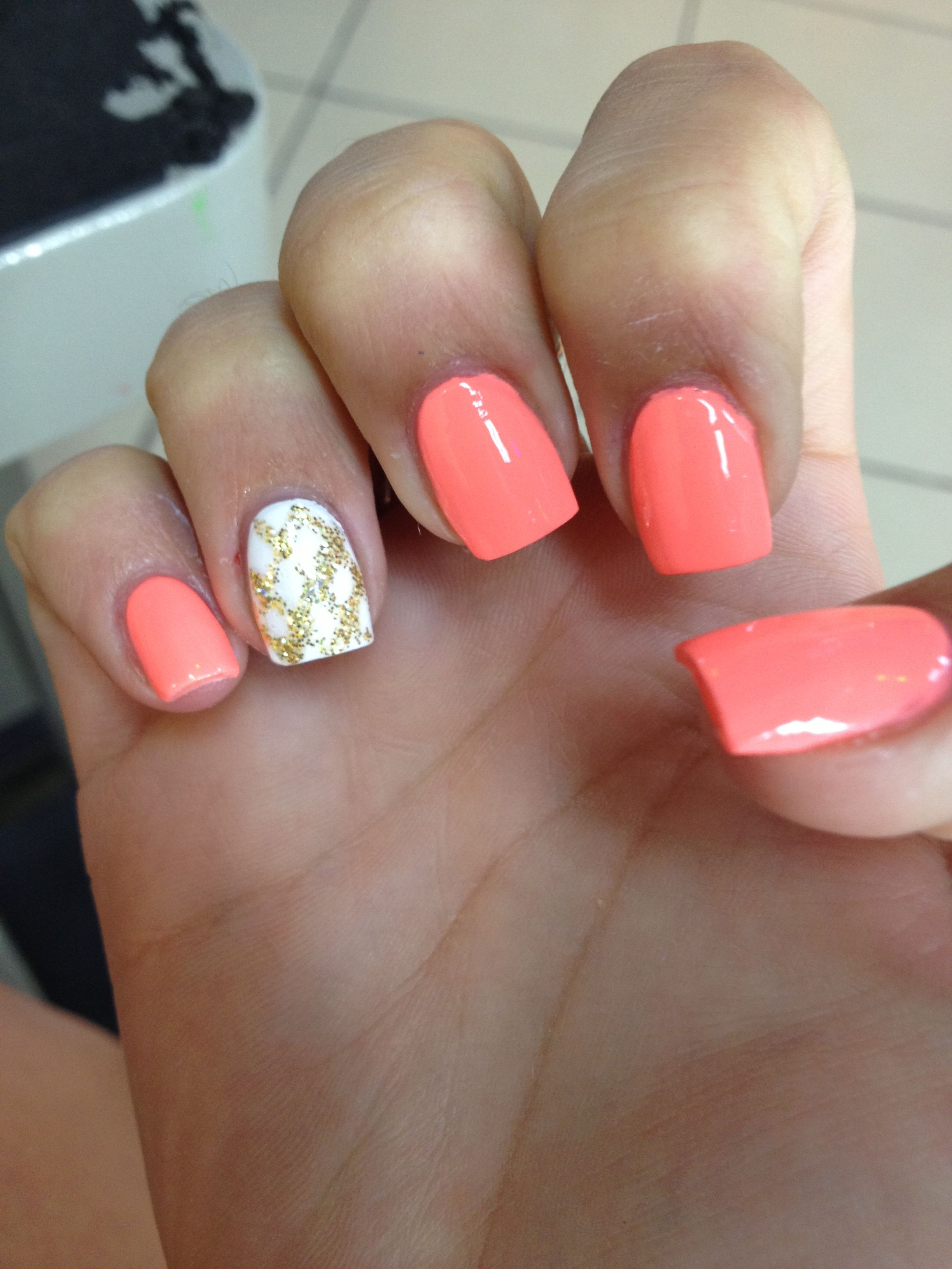 coral and gold nails style