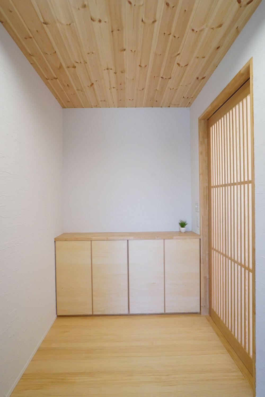 玄関施工事例 新城市 鈴木工務店 マルタハウス 玄関 モダン 玄関