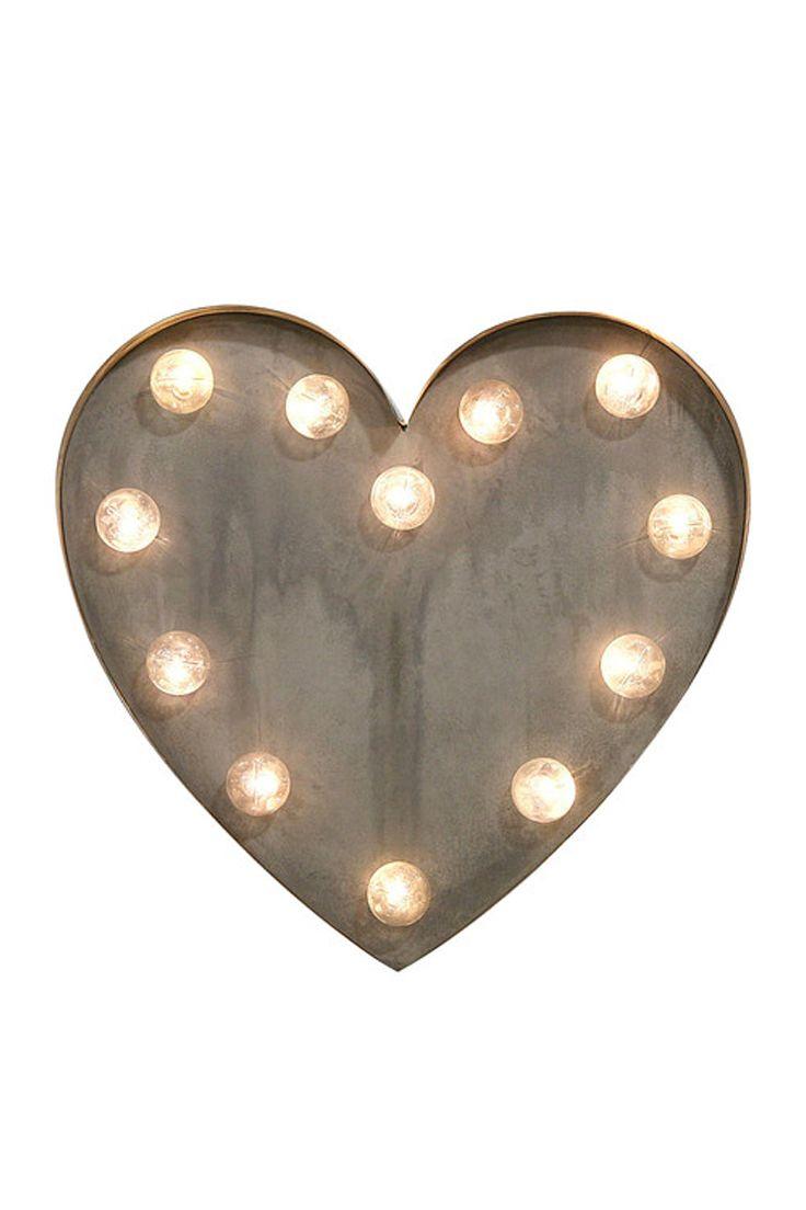 Leuchtende Herzen Verspricht Das Deko Herz Aus Metall LEDs. // Dekoration  Wohnzimmer Zuhause