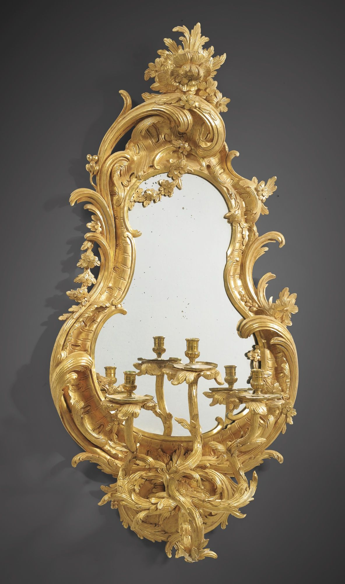 C 1750 1760 A Pair Of Carved Giltwood Mirrors Fitted As Wall Lights Probably German Circa 1750 1760 Estimate 50 000 Spiegel Antike Spiegel Spiegel Rahmen