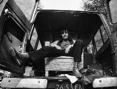 Binnenkort verschijnt Alles Uit Grolloo, een fraaie verzamelbox met daarin alle officiële studioalbums van Harry 'Cuby' Muskee. En met 'alles' uit Grolloo bedoelen we ook écht alles. Naast Cuby & The …