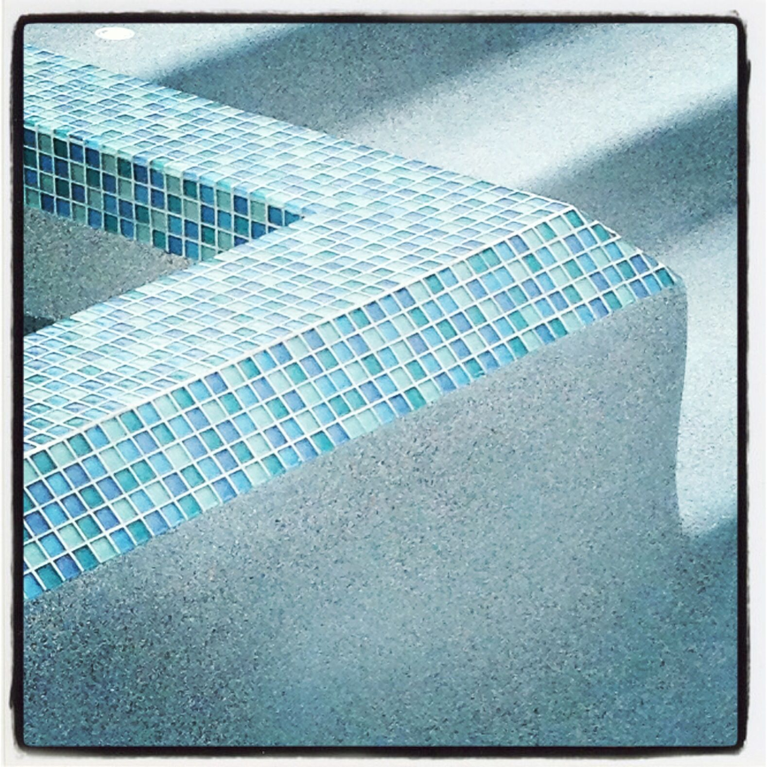 Wonderful Pool Finish Ideas For You To Copy: Glass Tile With Pebble Sheen Finish #aquaknotpools