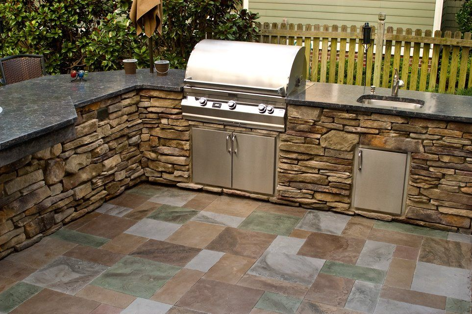 outdoor kitchen countertop material. alderwood landscaping outdoor