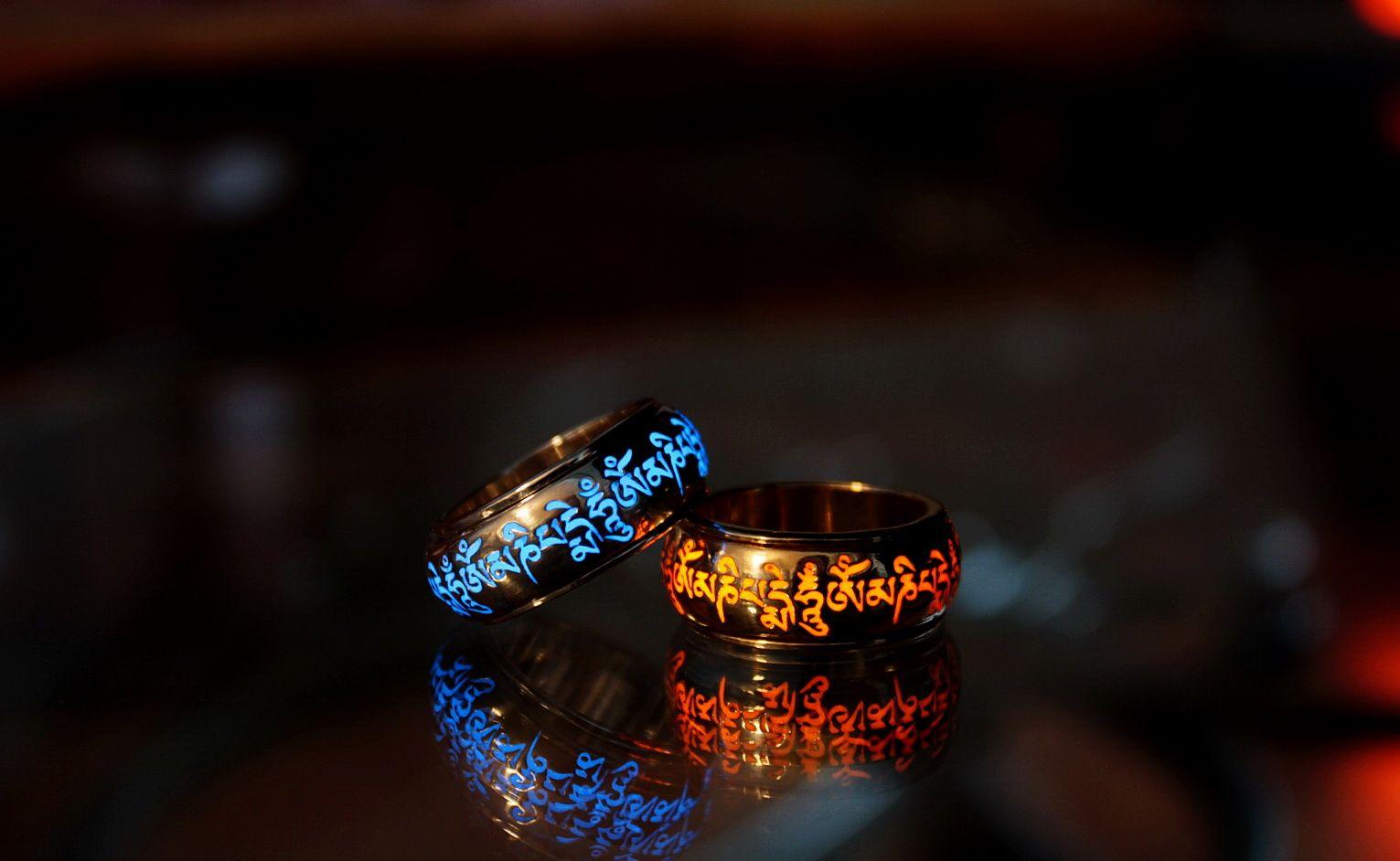 Om Mani Padme Hum Silver Ring Glow In The Dark Spinner Wheel