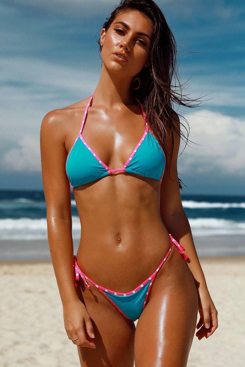 Bikini Model's Real Body Photo Stuns Fans