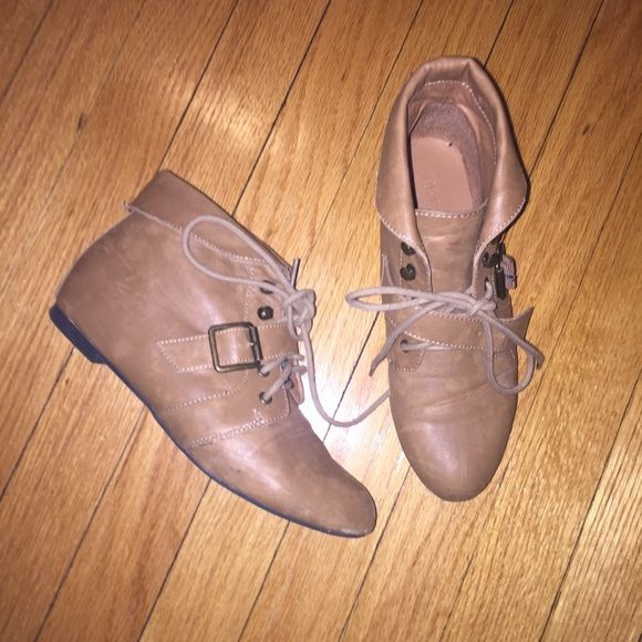 Tan booties Super comfy have been preloved but still has lots of life left , only flaw is scruffs in the front Forever 21 Shoes Ankle Boots & Booties