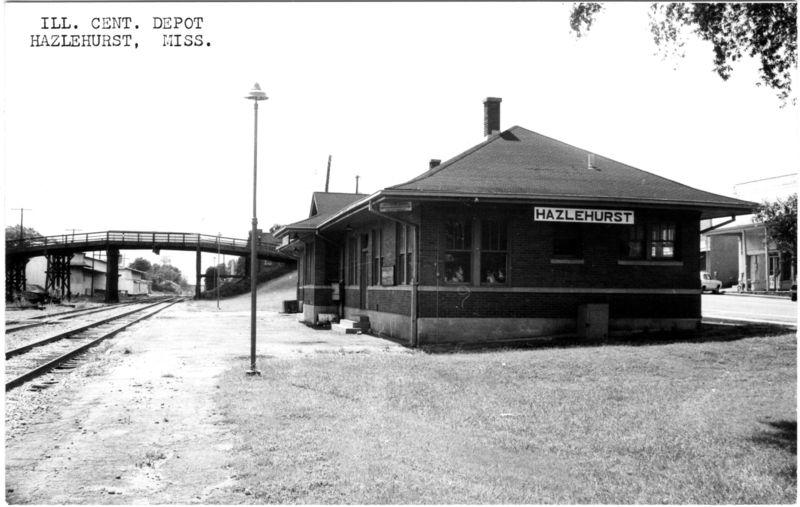 Illinois Central Railroad Depot Circa 1960 Old Train Station Abandoned Train Station Train Depot