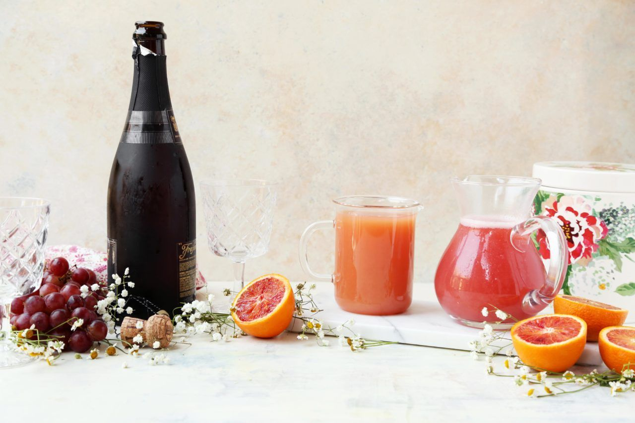 Kombucha Grapefruit Mimosas #grapefruitcocktail Kombucha Grapefruit Cocktail #grapefruitcocktail