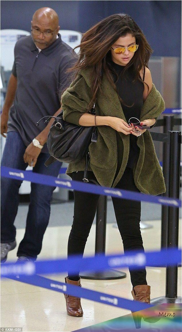, The 21-year-old pop star jetted back to Los Angeles after a two-day trip away and was seen arriving back on home turf at LAX airport on Wednesday., My Pop Star Kda Blog, My Pop Star Kda Blog