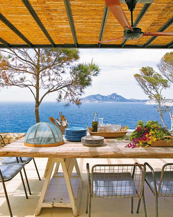 Mediterranean Style Houses With Ocean Views: Mediterranean Home On The Bluffs Of A Pine Forest