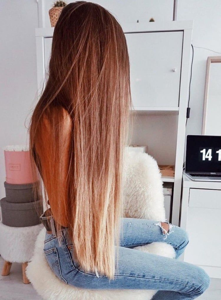 Image Discovered By Bubbleguumm Find Images And Videos About Girl Jeans And Brunette Hair On We Heart It T Hair Styles Long Hair Styles Straight Hairstyles