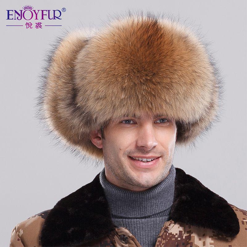 4c49139eafa PsBattle  This Russian man s ridiculously big hat.
