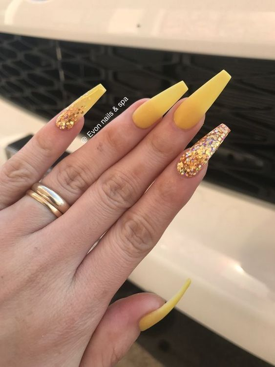 50 Gorgeous Yellow Acrylic Nails To Spice Up Your Fashion With Images Yellow Nails Yellow Nails Design Coffin Nails Glitter