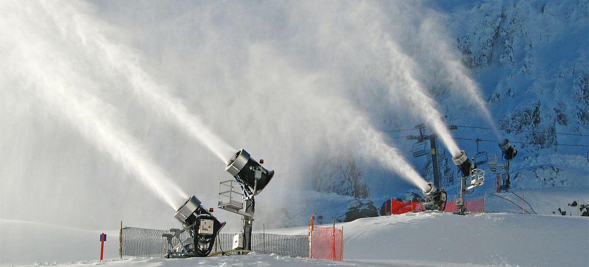 Snow Machines, Inc. (SMI Snowmakers) Snowmaking Equipment, Snow making  Machines and Snowmaking System Constru… | Snow making machine, Snow machine,  How to make snow