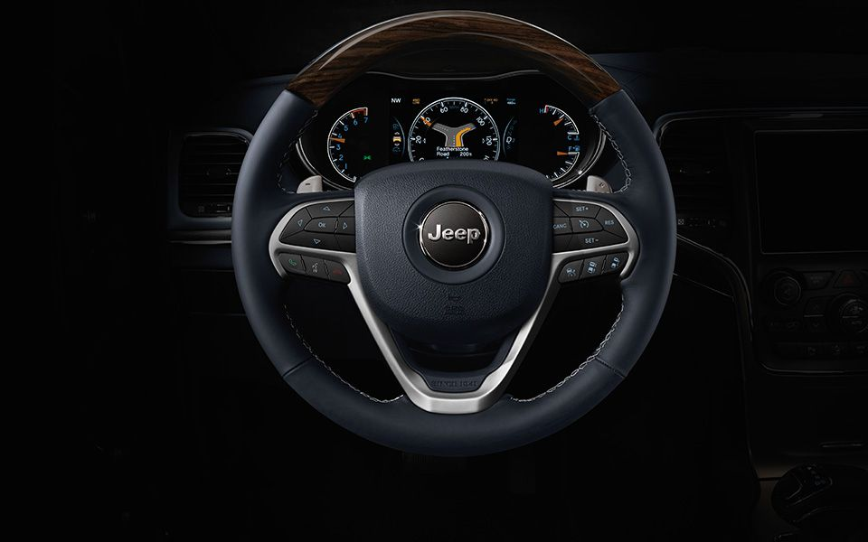 Jeep Grand Cherokee Overland Sports A Steering Wheel That