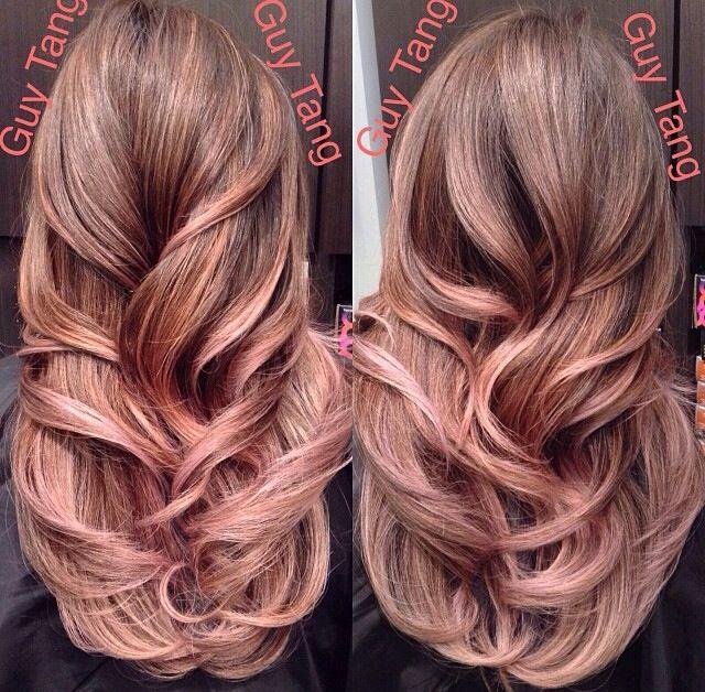 Frisur blond rosa