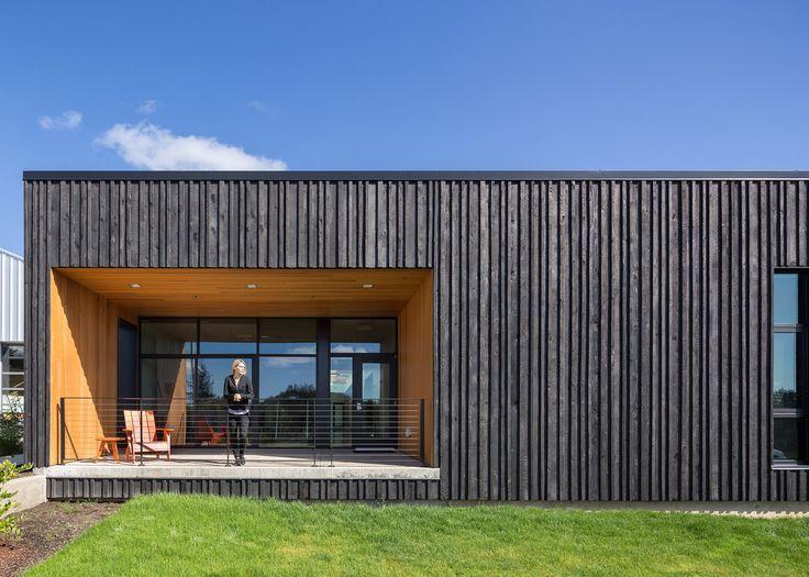 Resultado de imagen de Revestimiento de madera carbonizada Fassade - fachada madera