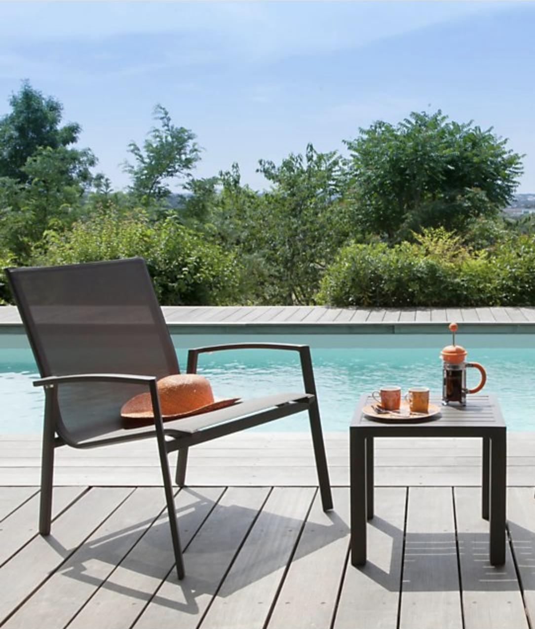Salon De Jardin Leger fauteuil lounge palma avec une structure en aluminium et