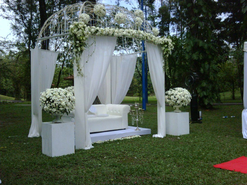 my white garden wedding my white garden wedding reception