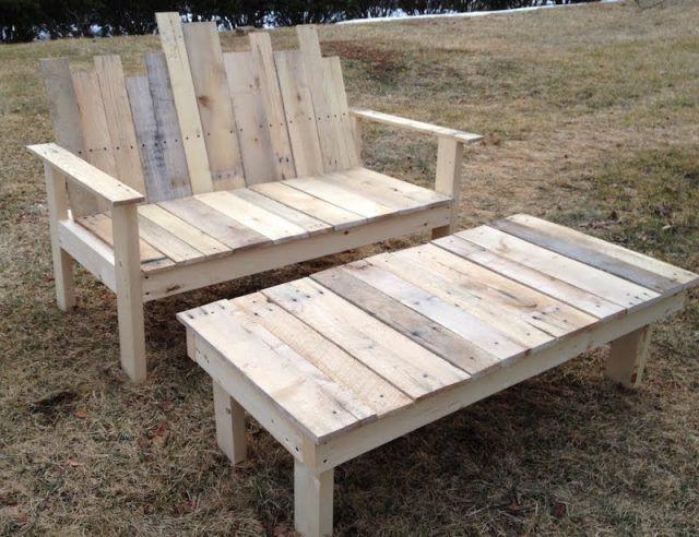 Banc en palette diy apprenez comment faire un banc en - Fabriquer une table basse en bois ...