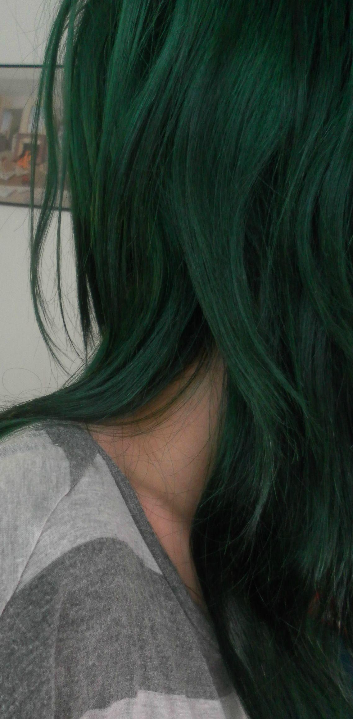 Manic Panic Venus Envy Is So Freakin Awesome Forums Green Hair Green Hair Colors Dark Green Hair