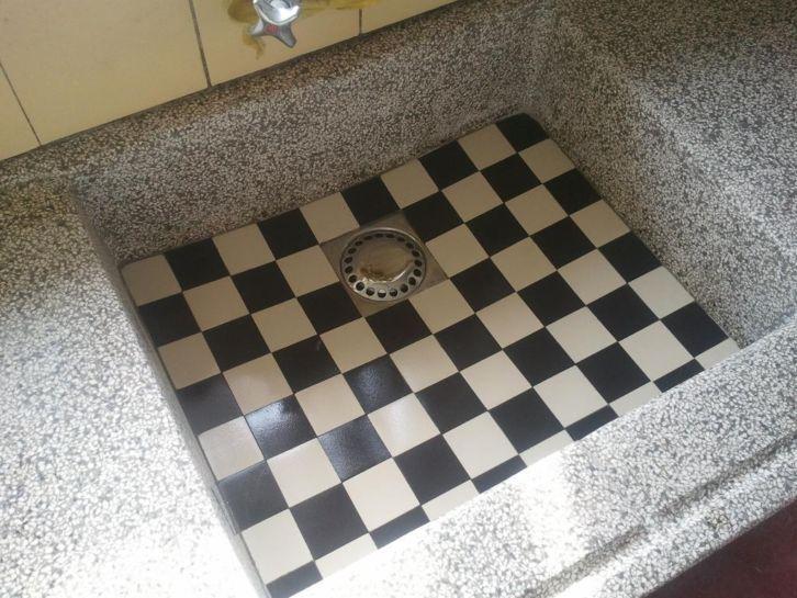 terrazzo aanrecht, zwart wit tegeltjes  Jaren 20  30 interieur  Pinterest  # Wasbak Zwart_022734