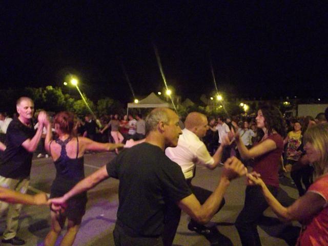 Suite plinn, rond de Loudéac, pourlet, bourrée en cercle, gavotte, valse ou encore polka, Plantec a fait danser son public, de plus en plus vite.