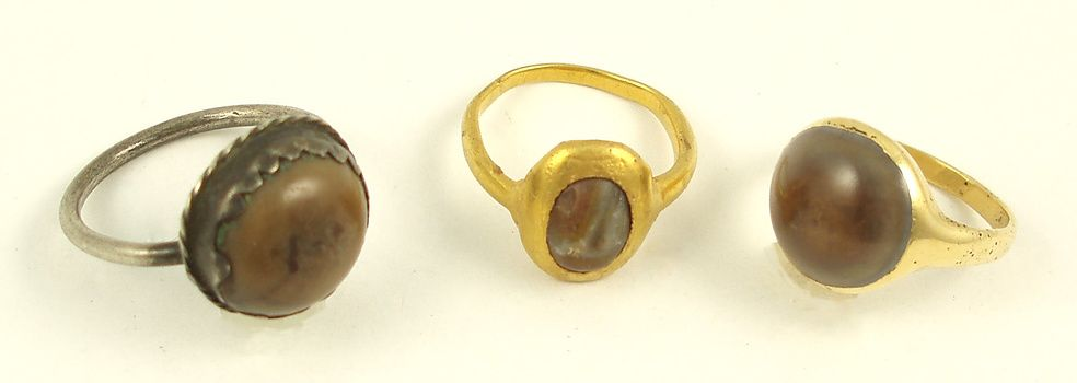 3 Amuletic Toadstone Rings | Collectors Weekly