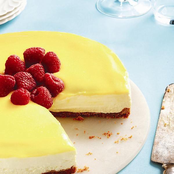 No Bake Lemon Mascarpone Cheesecake Recipe Chatelaine Com Recipe Lemon Cheesecake Recipes Fresh Raspberry Recipes Mascarpone Recipes