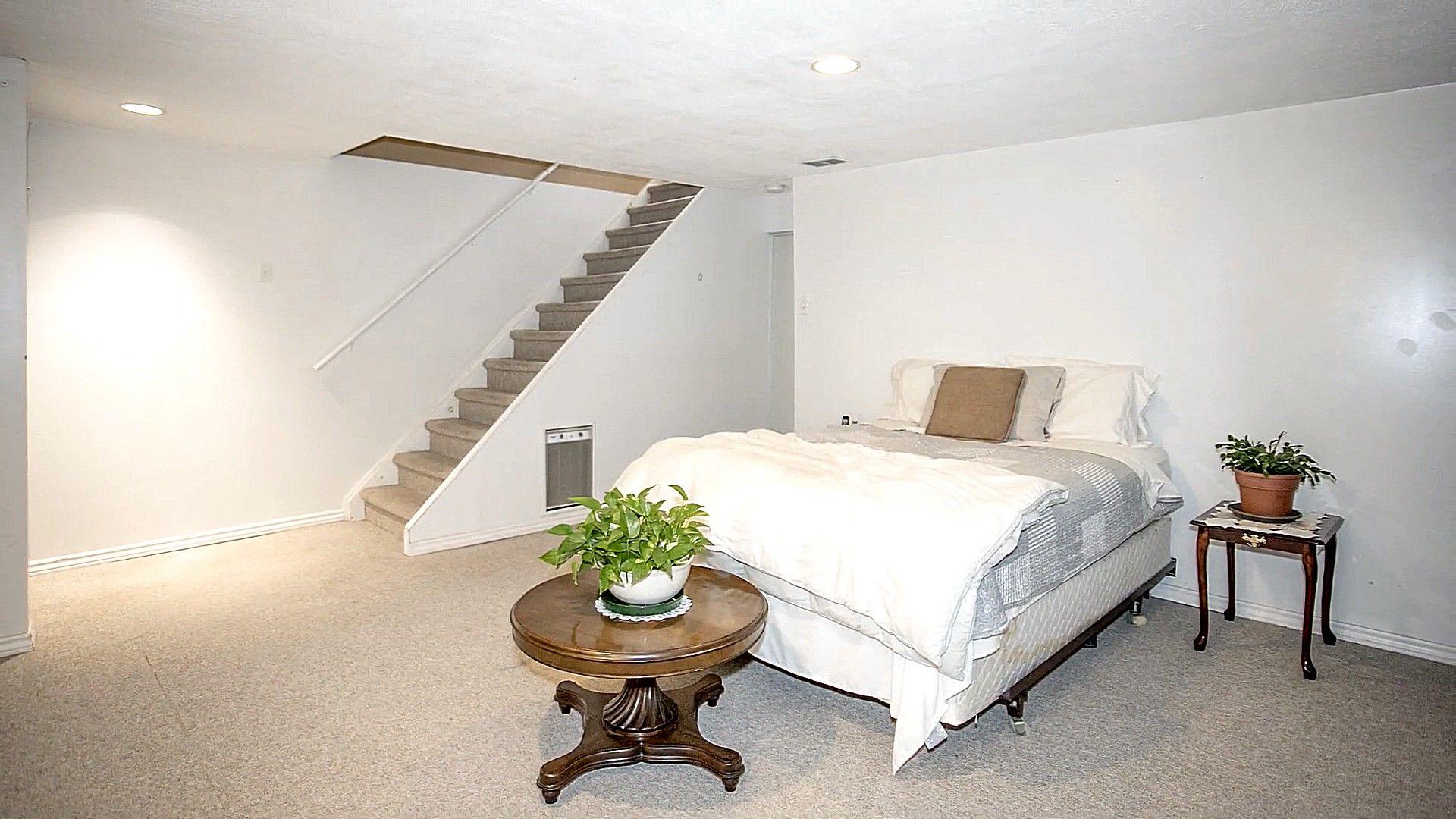 Keller Schlafzimmer Design Idee Mit Weisser Farbe Dominant