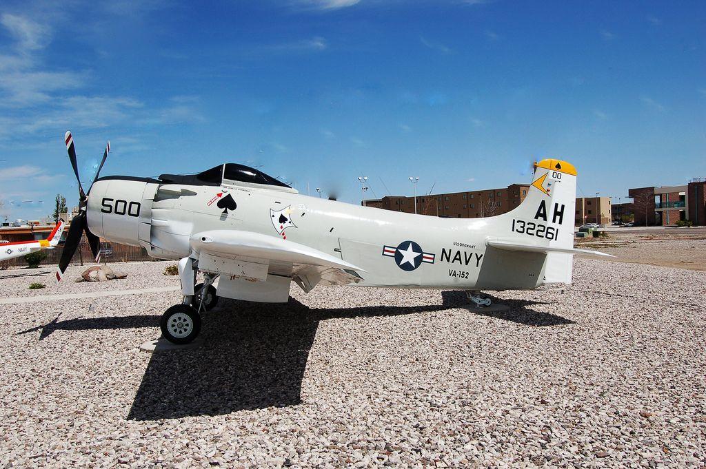 AD4 Skyraider, U.S. Navy (132261), VA152, Nevada, Fallon