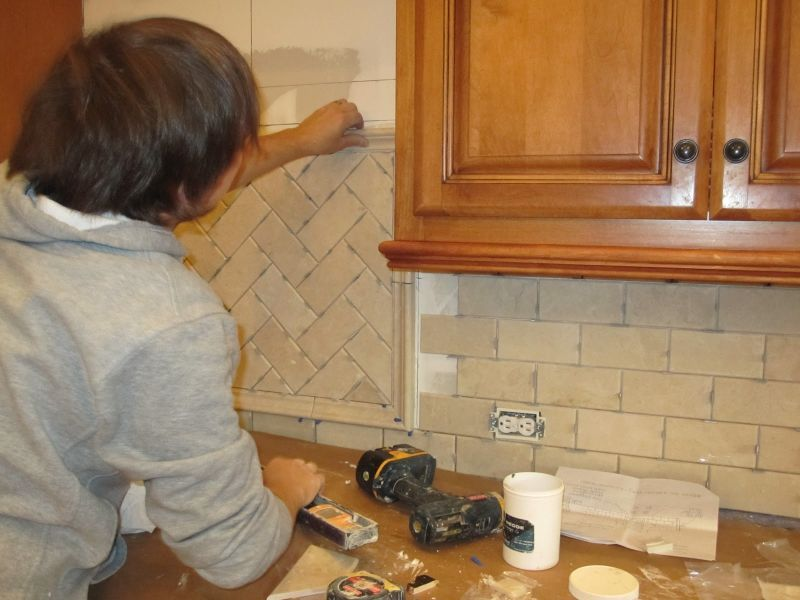 Posa delle piastrelle per cucina | Kitchen | Pinterest