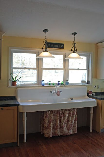 I ABSOLUTELY LOVE THIS SINK. I want this sink! Maybe my small farmhouse sink…