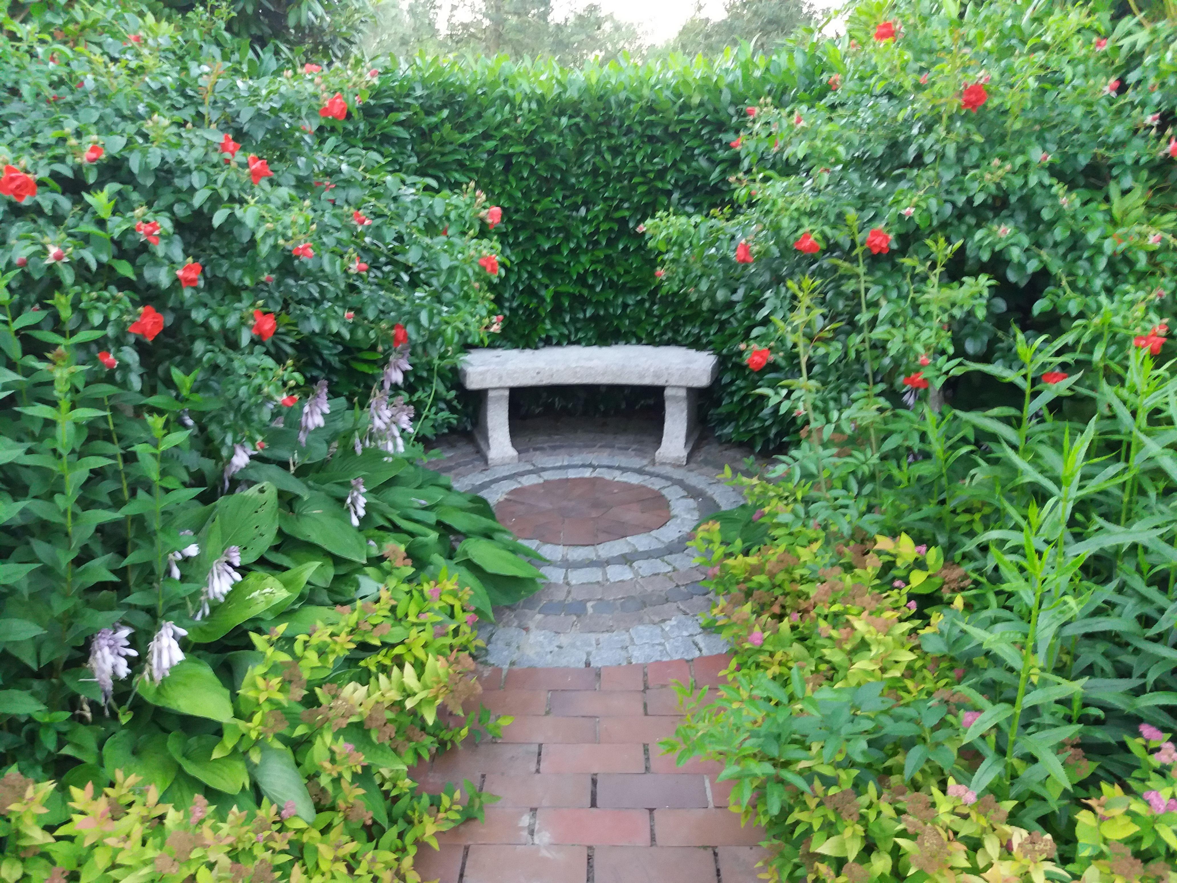 Gartengestaltung Im Park Der Garten In Bad Zwischenahn In Deutschland Garten Gartenimpressionen Gartenkunst Gartenmo Gartenkunst Garten Springbrunnen