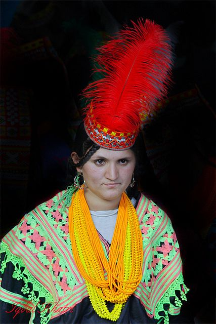 Kalash women    The Kalash (Nuristani: Kasivo) or Kalasha, are an ethnic group of the  Hindu Kush mountain range, residing in the Chitral district of the  North-West Frontier Province of Pakistan. They speak the Kalash  language, a member of the Dardic family of Indo-Aryan.
