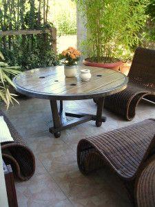 touret bois transform bobine lectrique pinterest tables basses rondes la terrasse et touret. Black Bedroom Furniture Sets. Home Design Ideas