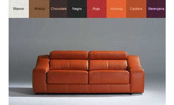 Sofá dos plazas en piel espesorada, asientos deslizantes y cabezales reclinables.