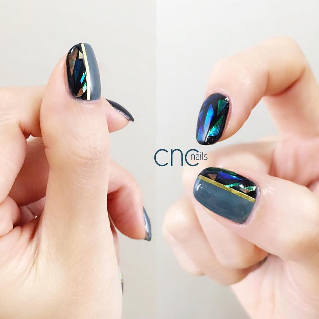 #colors#instanail#gelnail#nailart #nail#네일아트#젤네일#네일디자인#네일스타그램#인스타네일#손스타그램#manicure#naildesigns#vetro#opi#essie#koreanbeauty#라인테이프#카키#유리네일#글라스네일