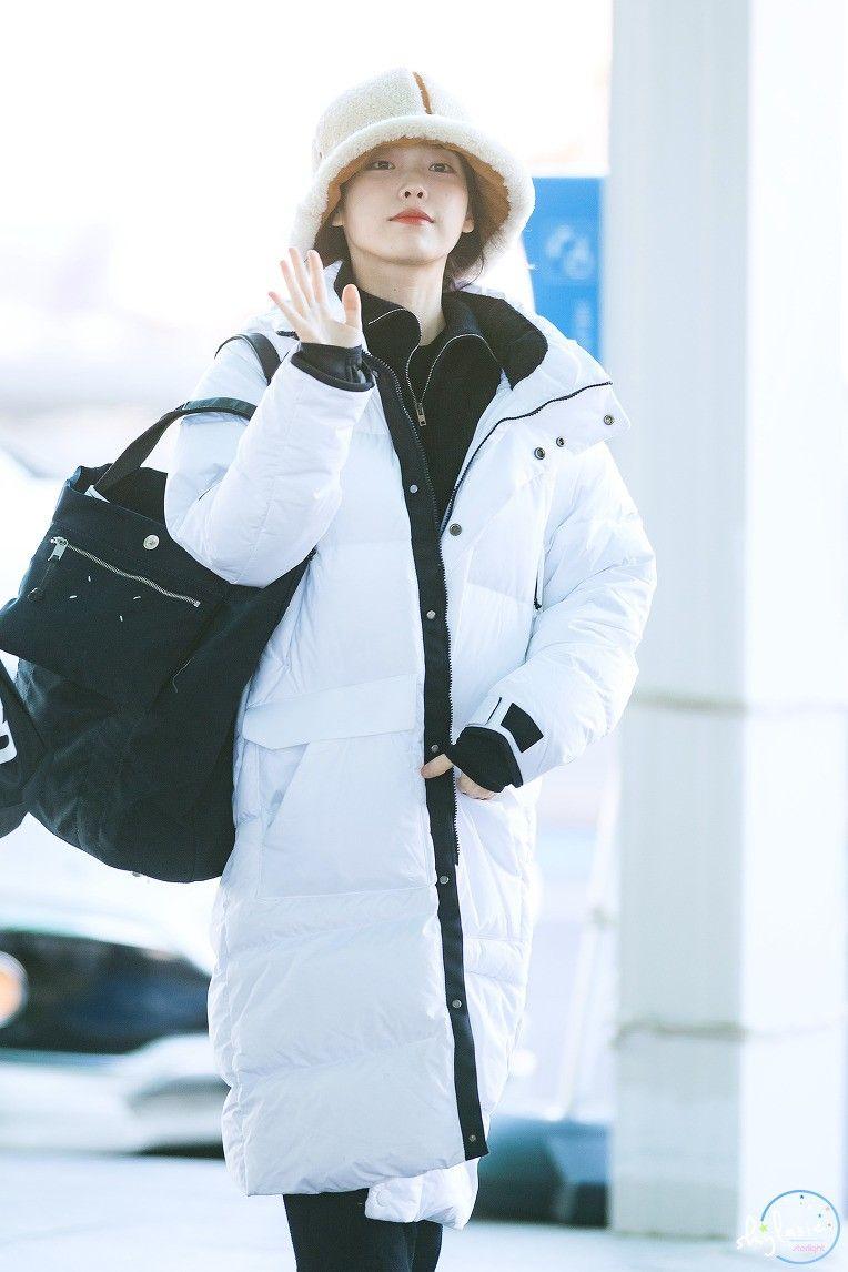 Pin By Weiaaa On Iu Lee Ji Eun Winter Outfits Kpop Girls How To Wear