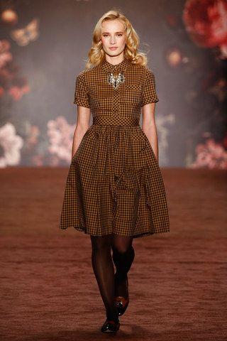 Fashion Week Berlin: Lena Hoschek zeigt ihre neue ...