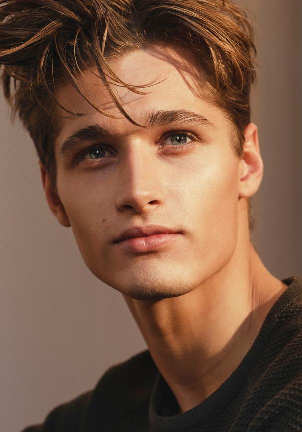 Roy Van Leeuwen Ave Management In 2020 Men Blonde Hair Brown Hair Boy Blonde Male Models