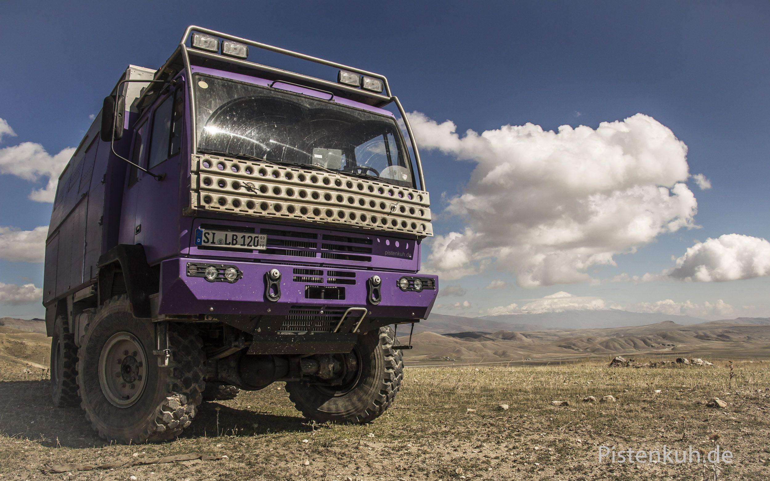 Steyr 12m18 Pistenkuh Expeditionsfahrzeug Expeditionsmobil Reisemobil