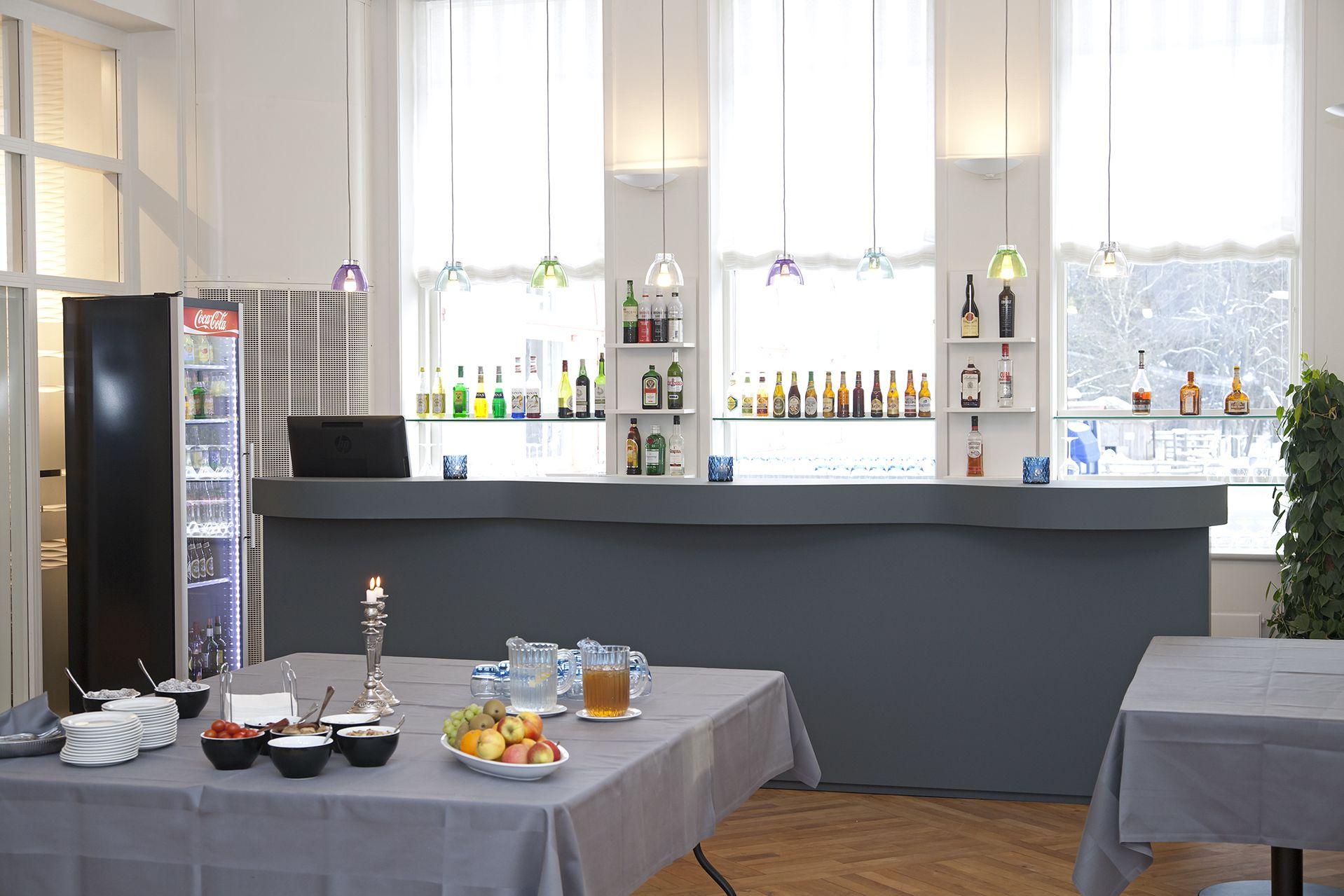 vejlsoehus hotel and conferencecenter bar reception interir desktop furniture linoleum