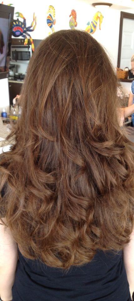 """Wavy """"beach"""" hair. Perfect summer look!"""