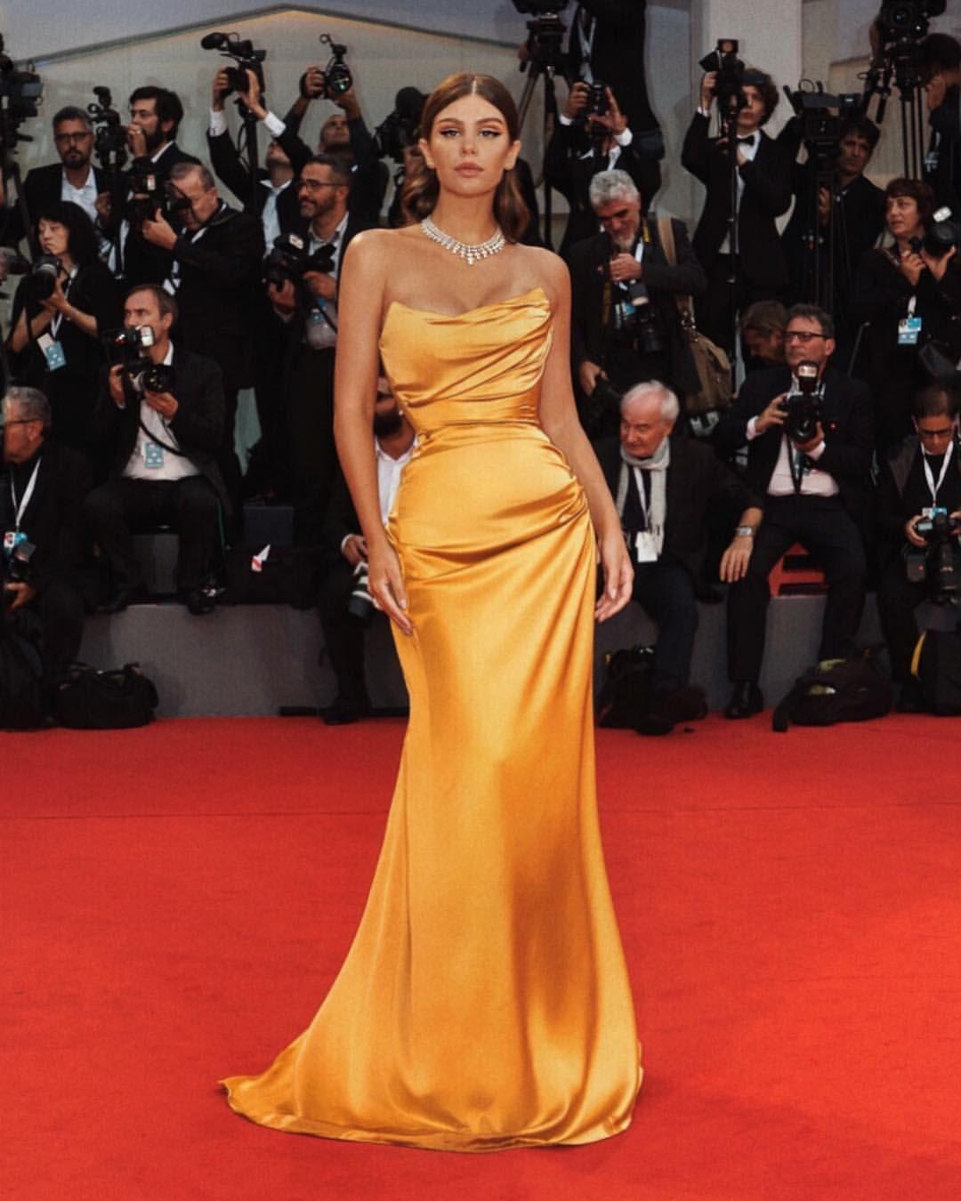 @mciverdeja 🦋 | • fashion • in 2019 | Dresses, Strapless ...